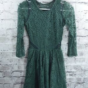 Aercrombie & Fitch Emerald Green Lace Dress